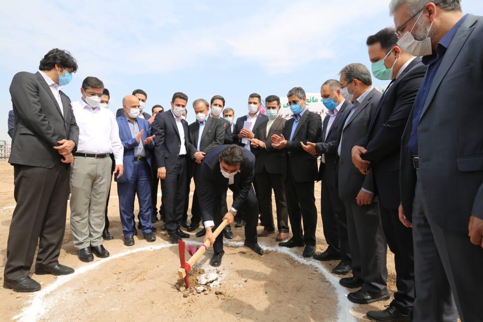 آغاز عملیات اجرایی فاز دوم واحد تولیدی جهان اروم اویاز توسط وزیر صمت/ افزایش توان تولید پارچه های حلقوی بافت و گرد بافت