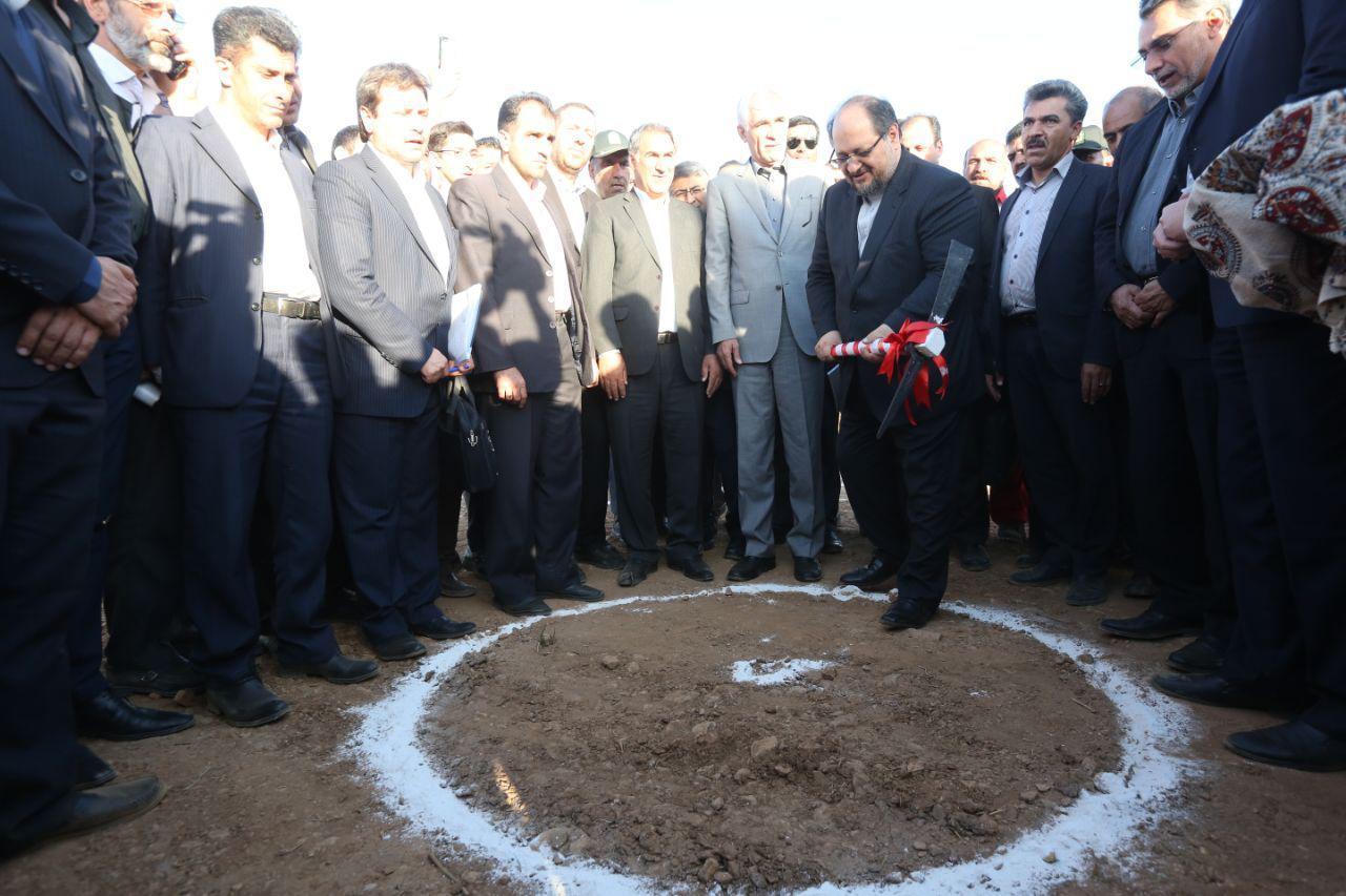 آغاز رسمی عملیات اجرایی پتروگاز دالین همزمان با نخستین سفر استانی وزیر جدید صنعت، معدن و تجارت به استان فارس
